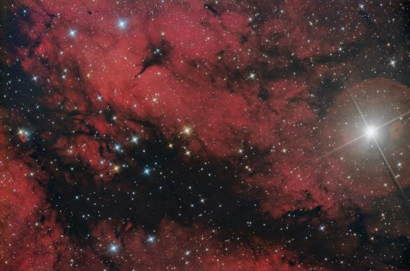 Sadr..la stella centrale nella costellazione del Cigno..